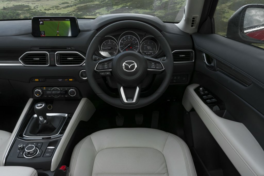 2017 Mazda CX 5 Review Steering Wheel carwitter 1024x683 - 2017 Mazda CX-5 2.2 Diesel Sport Nav Review - 2017 Mazda CX-5 2.2 Diesel Sport Nav Review