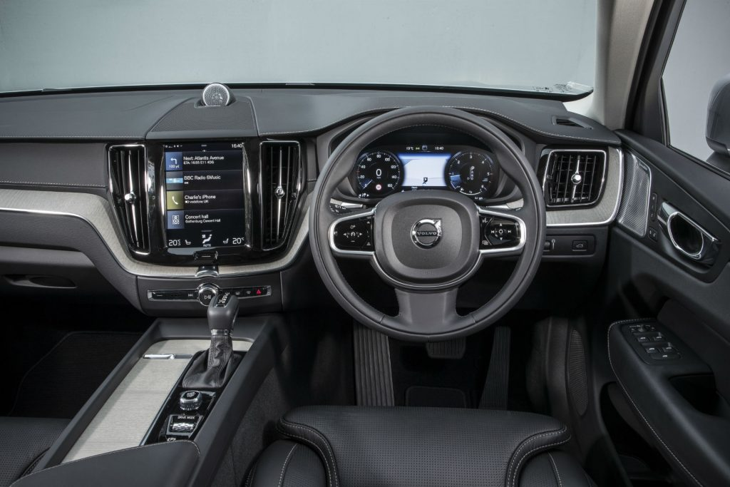 2017 New Volvo XC60 Review Dashboard Steering Wheel carwitter 1024x683 - New Volvo XC60 Review - New Volvo XC60 Review
