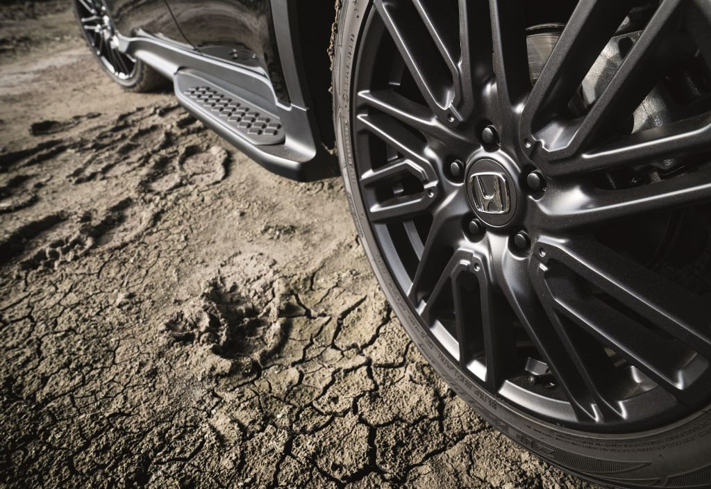 Honda HR V Black Edition Alloy Detail 1024x704 - Honda Announce HR-V Black Edition - Honda Announce HR-V Black Edition