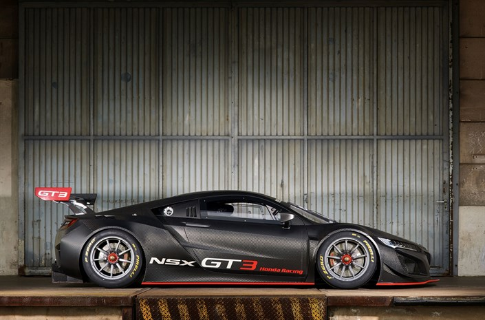 Honda NSX GT3 Side - Honda NSX GT3 to go on sale for customers - Honda NSX GT3 to go on sale for customers
