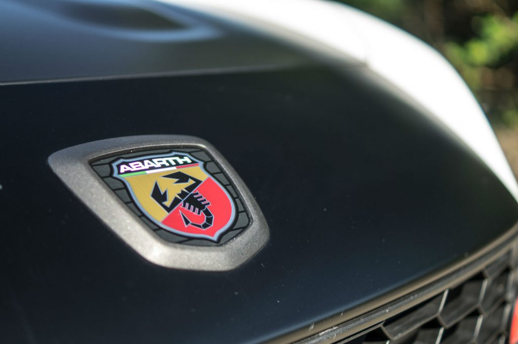 2017 Abarth 124 Spider Review Front Badge carwitter 1024x681 - 2017 Abarth 124 Spider Auto Review - 2017 Abarth 124 Spider Auto Review