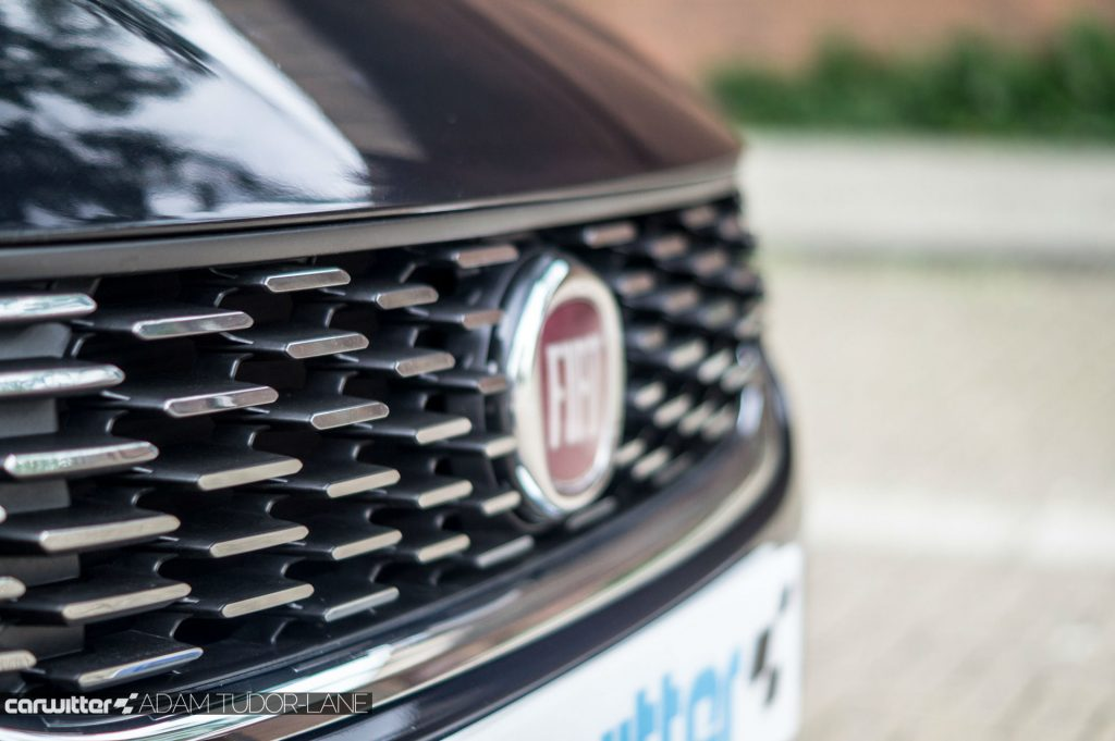 Fiat Tipo Review Grille carwitter 1024x681 - Fiat Tipo Hatchback Review - Fiat Tipo Hatchback Review