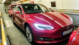 Tesla Eurotunnel 01 carwitter 260x150 - Taking your Tesla on the Eurotunnel? Read this first! - Taking your Tesla on the Eurotunnel? Read this first!