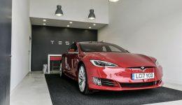 Tesla Model S 100D Road Trip 04 carwitter 260x150 - Is It Time To Buy An Autonomous Car? - Is It Time To Buy An Autonomous Car?