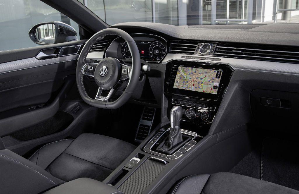 Volkswagen Arteon Dashboard 1024x663 - Volkswagen Arteon Available to Order - Volkswagen Arteon Available to Order