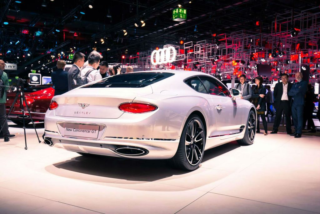 2017 Bentley Continental GT Rear White carwitter 1024x683 - The new Bentley Continental GT looks GORGEOUS - The new Bentley Continental GT looks GORGEOUS