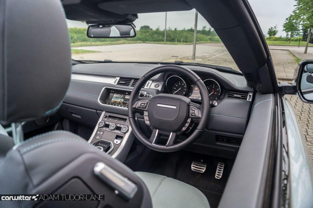 2017 Range Rover Evoque Convertible Review Steering Wheel View carwitter 1024x681 - Range Rover Evoque Convertible Review - Range Rover Evoque Convertible Review