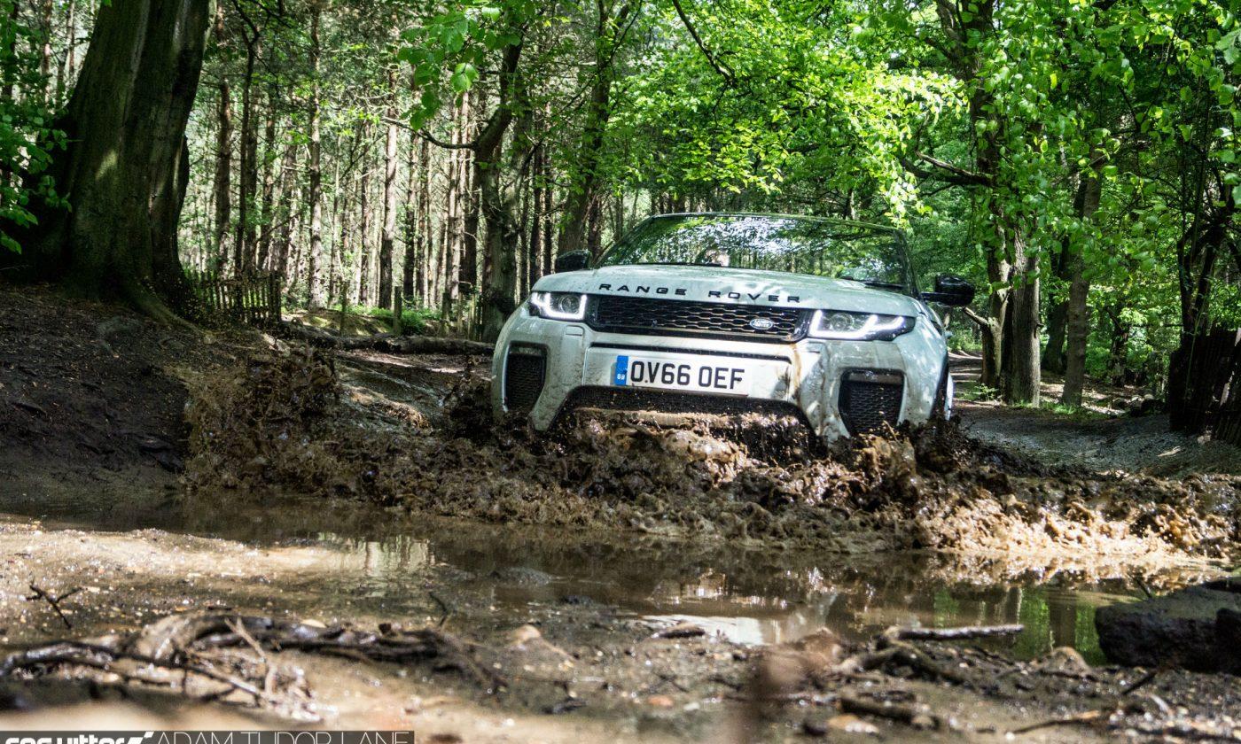 2017 Range Rover Evoque Convertible Review Water Splash carwitter 1400x840 - Range Rover Evoque Convertible Review - Range Rover Evoque Convertible Review