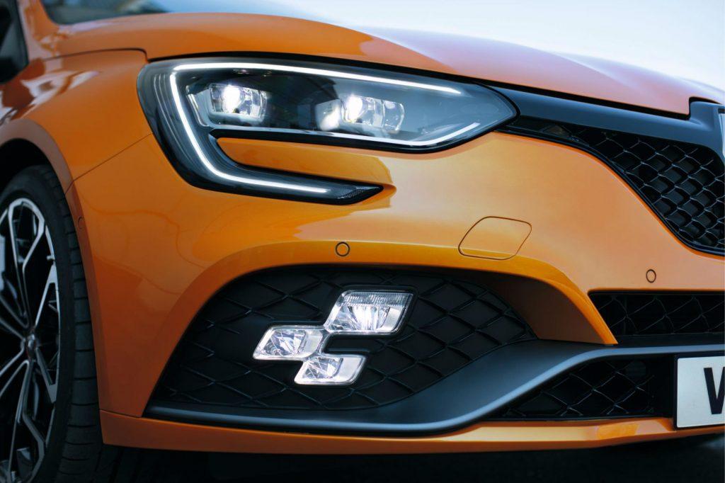 2017 Renault Megane RS Fog Light carwitter 1024x682 - Renault release 2017 Megane RS - Renault release 2017 Megane RS