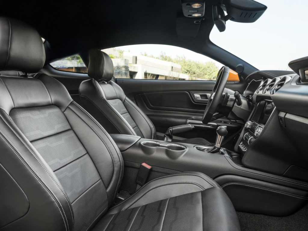 Ford Mustang 2018 Interior 1024x768 - Ford Reveal New 2018 Facelift Mustang - Ford Reveal New 2018 Facelift Mustang
