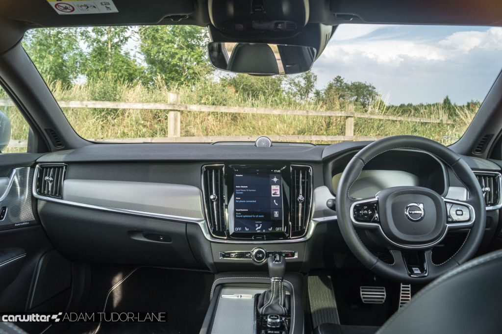 Volvo V90 D5 Power Pulse AWD Review Interior Dashboard carwitter 1024x681 - Volvo V90 Power Pulse Review - Volvo V90 Power Pulse Review