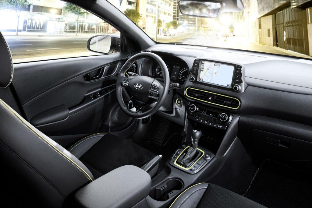2017 Hyundai Kona SUV Review Dashboard Interior carwitter 1024x683 - Hyundai Kona Review - Hyundai Kona Review