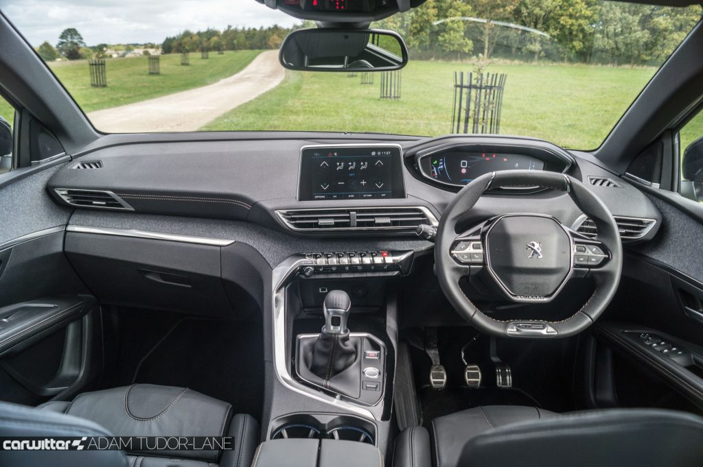 2017 Peugeot 5008 SUV Review Dashboard carwitter 1024x681 - New Peugeot 5008 SUV Review - New Peugeot 5008 SUV Review