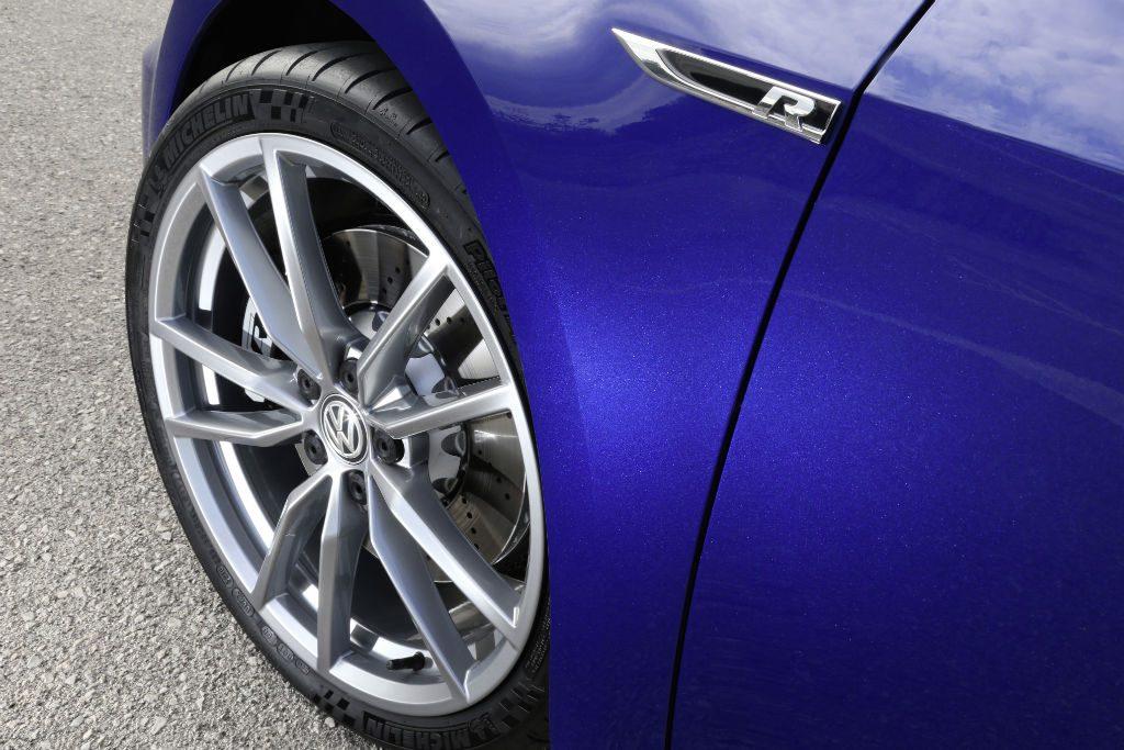 Volkswagen Golf R Performance Pack Alloys Detail 1024x683 - Volkswagen Add Performance Pack for the Golf R - Volkswagen Add Performance Pack for the Golf R