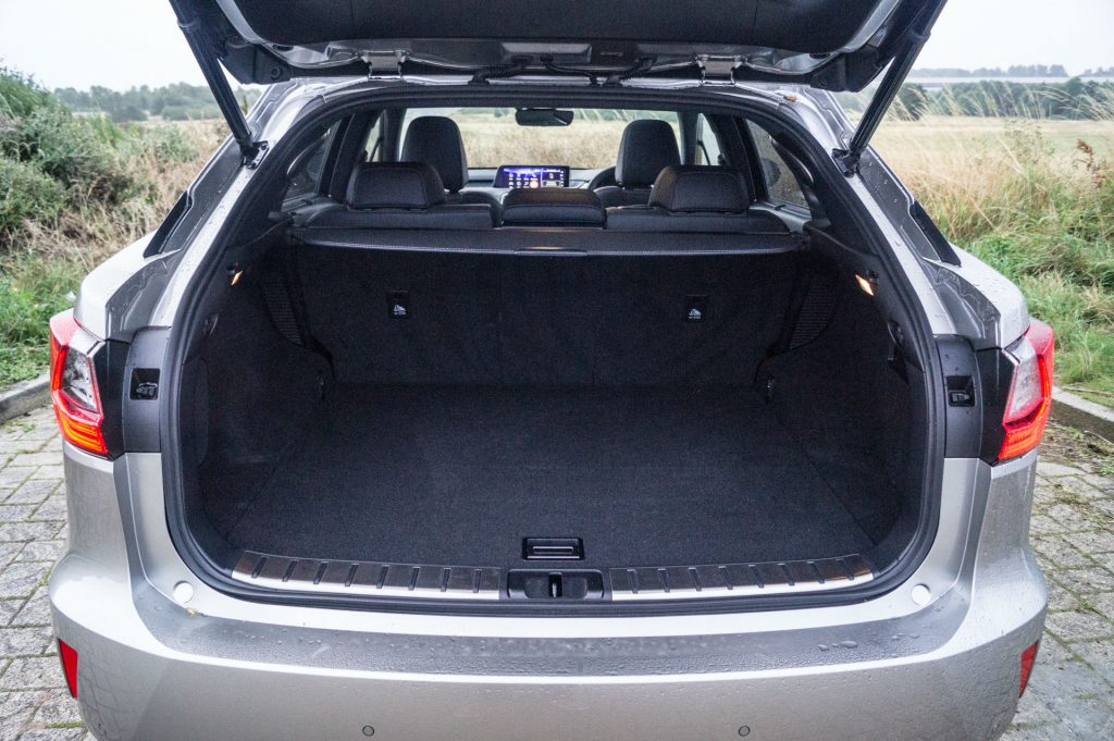 2017 Lexus RX 450h F Sport Review Boot Space carwitter 1024x681 - 2017 Lexus RX 450h F Sport Review - 2017 Lexus RX 450h F Sport Review
