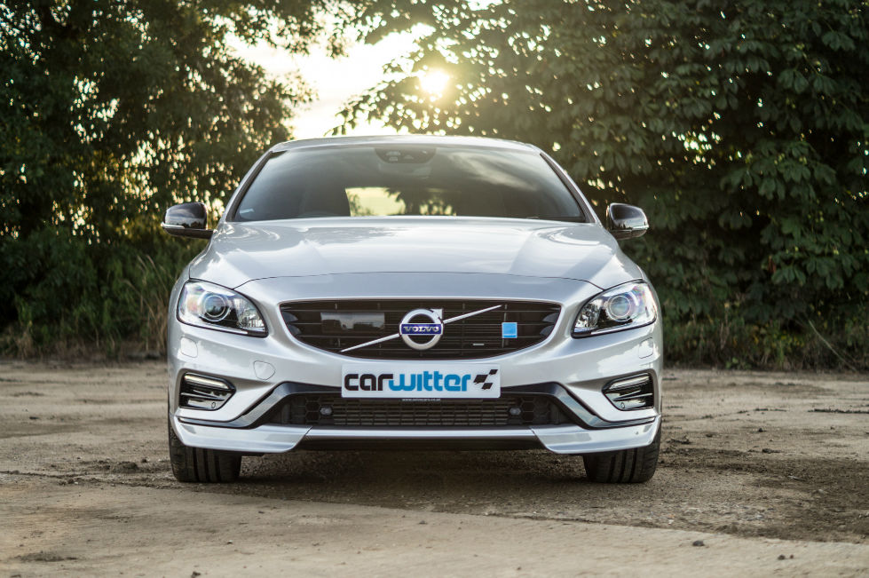 2017 Volvo V60 Polestar Review Front Low carwitter - 2017 Volvo V60 Polestar Review - 2017 Volvo V60 Polestar Review - Front Low - carwitter