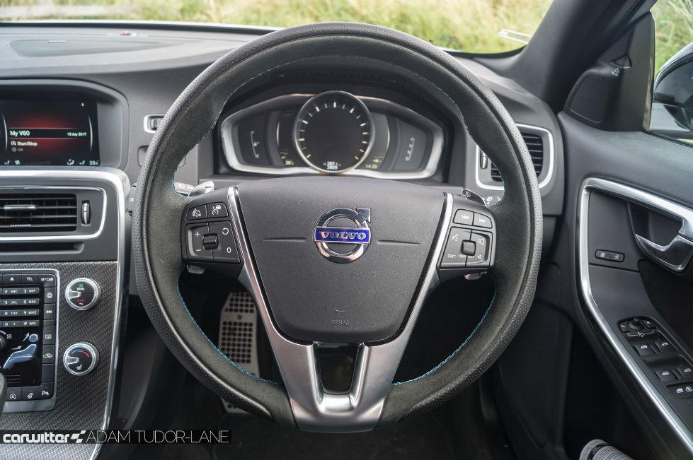 2017 Volvo V60 Polestar Review Steering Wheel carwitter - 2017 Volvo V60 Polestar Review - 2017 Volvo V60 Polestar Review - Steering Wheel - carwitter
