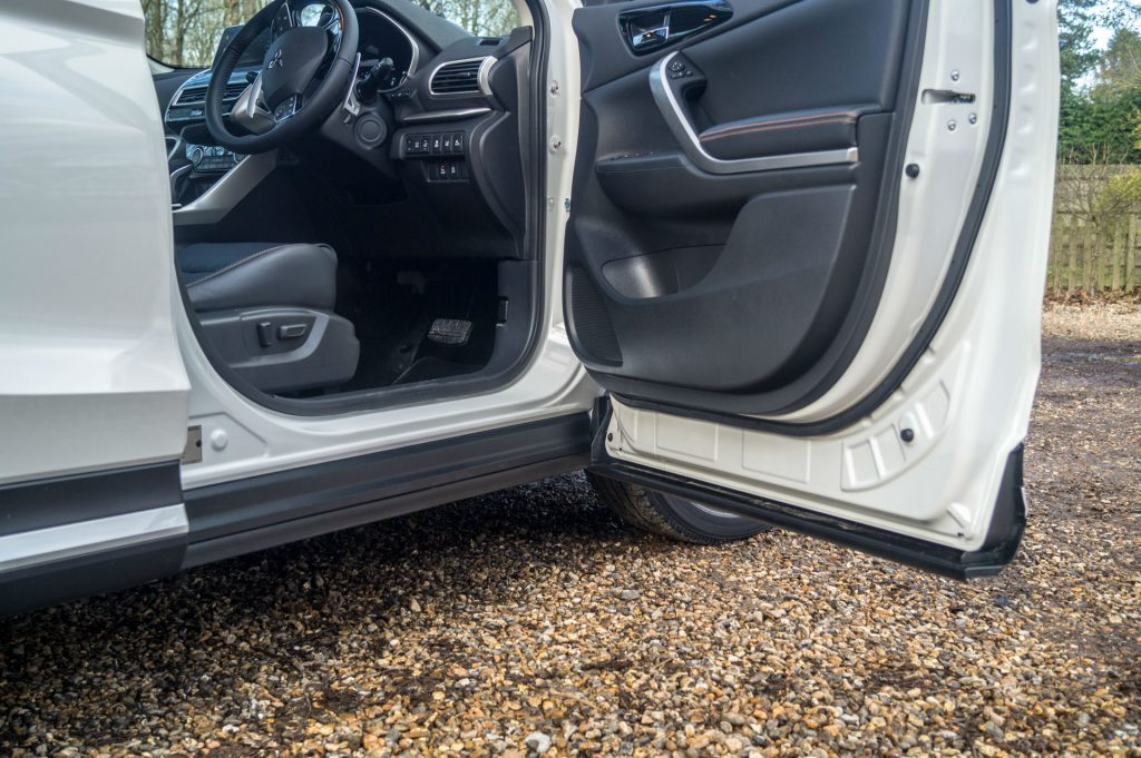 2018 Mitsubishi Eclipse Cross Review Door Sill carwitter 1024x681 - Mitsubishi Eclipse Cross Review - Mitsubishi Eclipse Cross Review