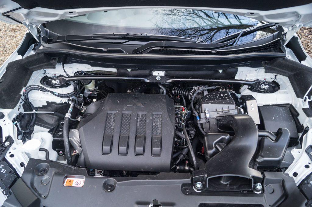 2018 Mitsubishi Eclipse Cross Review Engine carwitter 1024x681 - Mitsubishi Eclipse Cross Review - Mitsubishi Eclipse Cross Review