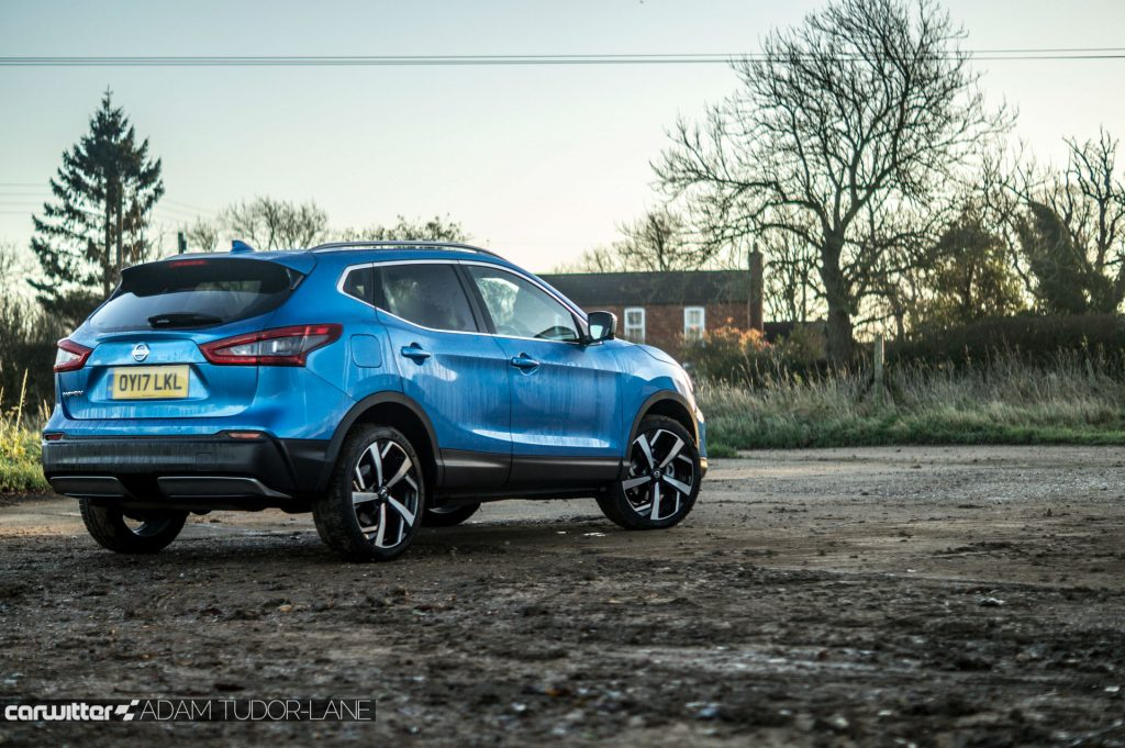 2018 Nissan Qashqai Review Rear Angle Scene carwitter 1024x681 - 2018 Nissan Qashqai Review - 2018 Nissan Qashqai Review