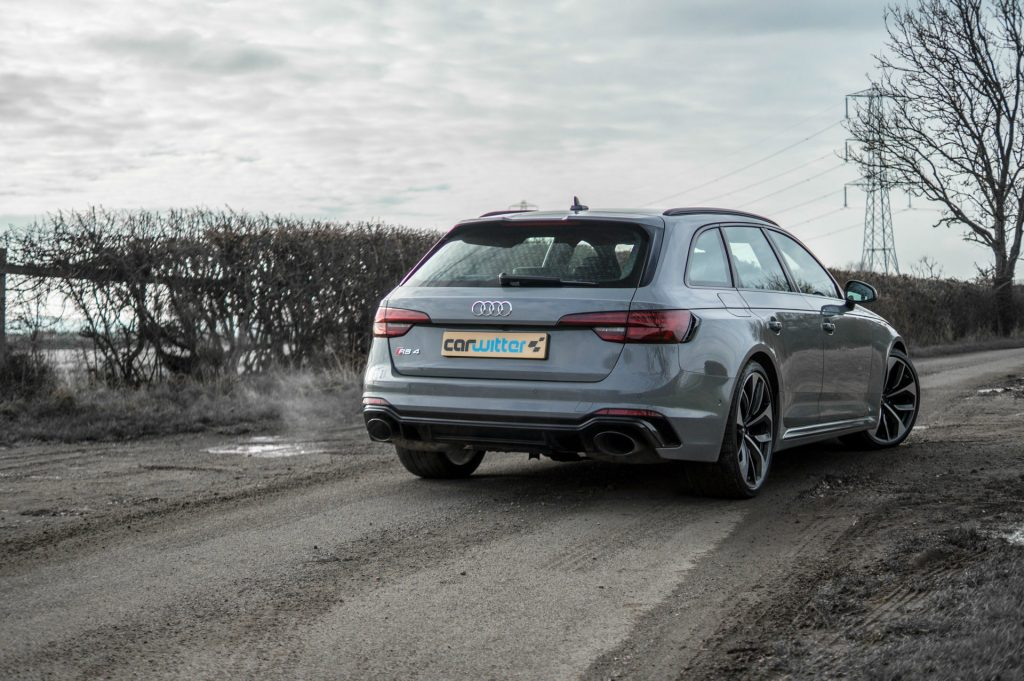 2018 Audi RS4 Review Rear Angle carwitter 1024x681 - 2018 Audi RS4 Avant Review - 2018 Audi RS4 Avant Review