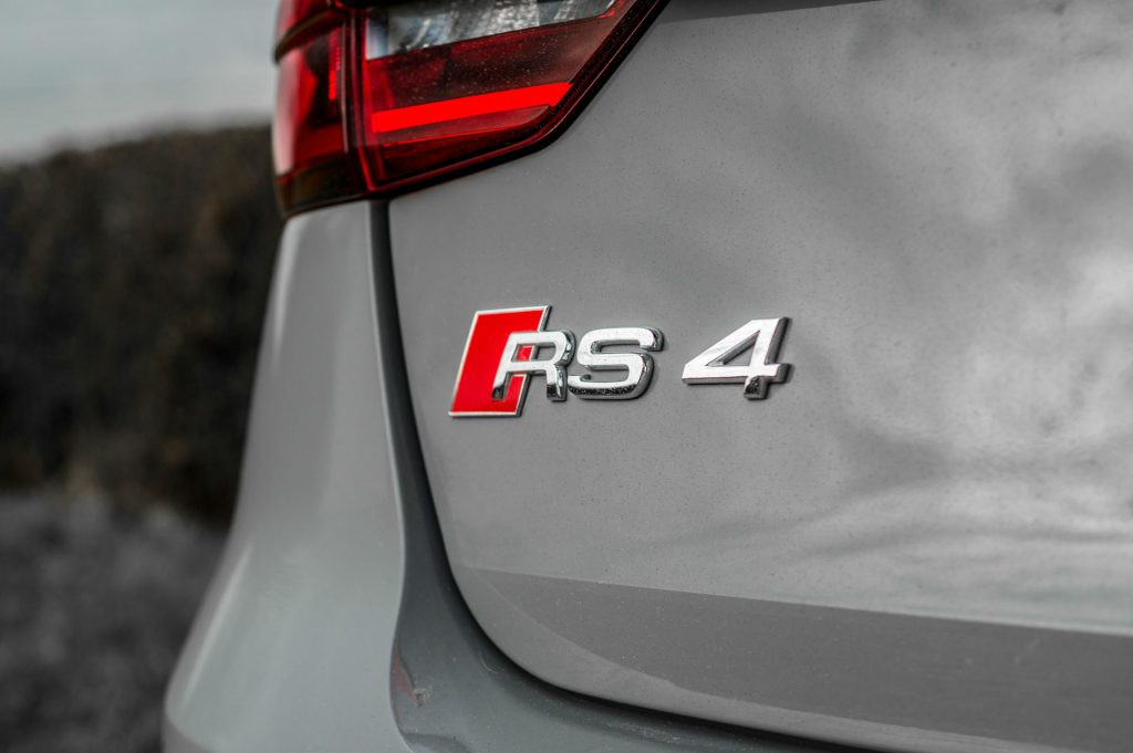 2018 Audi RS4 Review Rear Badge carwitter 1024x681 - 2018 Audi RS4 Avant Review - 2018 Audi RS4 Avant Review