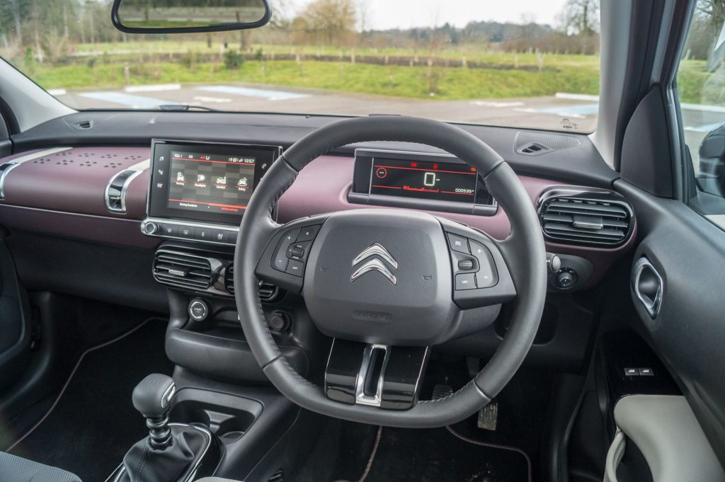 2018 Citroen C4 Cactus Review Steering Wheel carwitter 1024x681 - 2018 Citroen C4 Cactus Review - 2018 Citroen C4 Cactus Review
