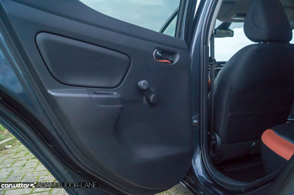 2018 Nissan Micra Review Manual Rear Windows carwitter 1024x681 - 2018 Nissan Micra Review - 2018 Nissan Micra Review