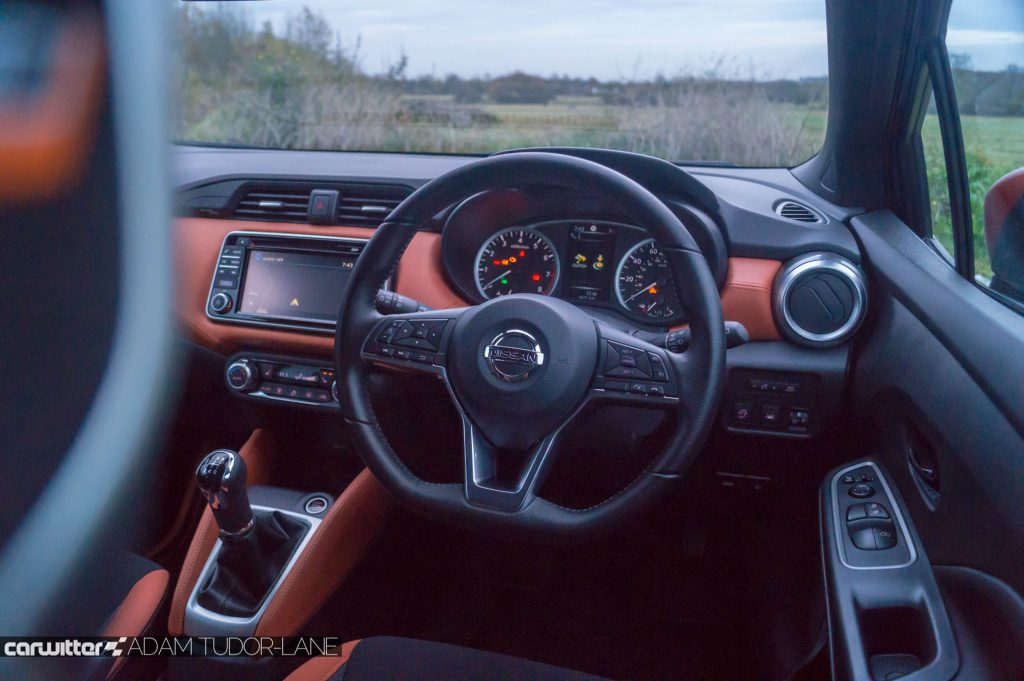 2018 Nissan Micra Review Steering Wheel carwitter 1024x681 - 2018 Nissan Micra Review - 2018 Nissan Micra Review