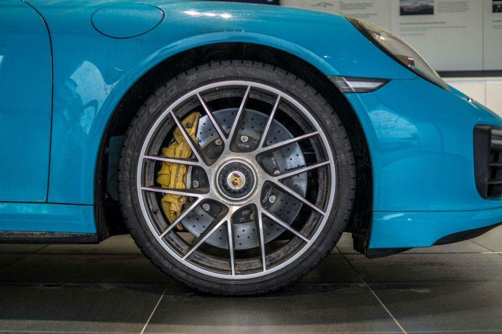 2018 Porsche Experience Centre Silverstone All Wheel Drive 04 carwitter 1024x681 - Things to Look Out For When Buying Wheel Chocks - Things to Look Out For When Buying Wheel Chocks