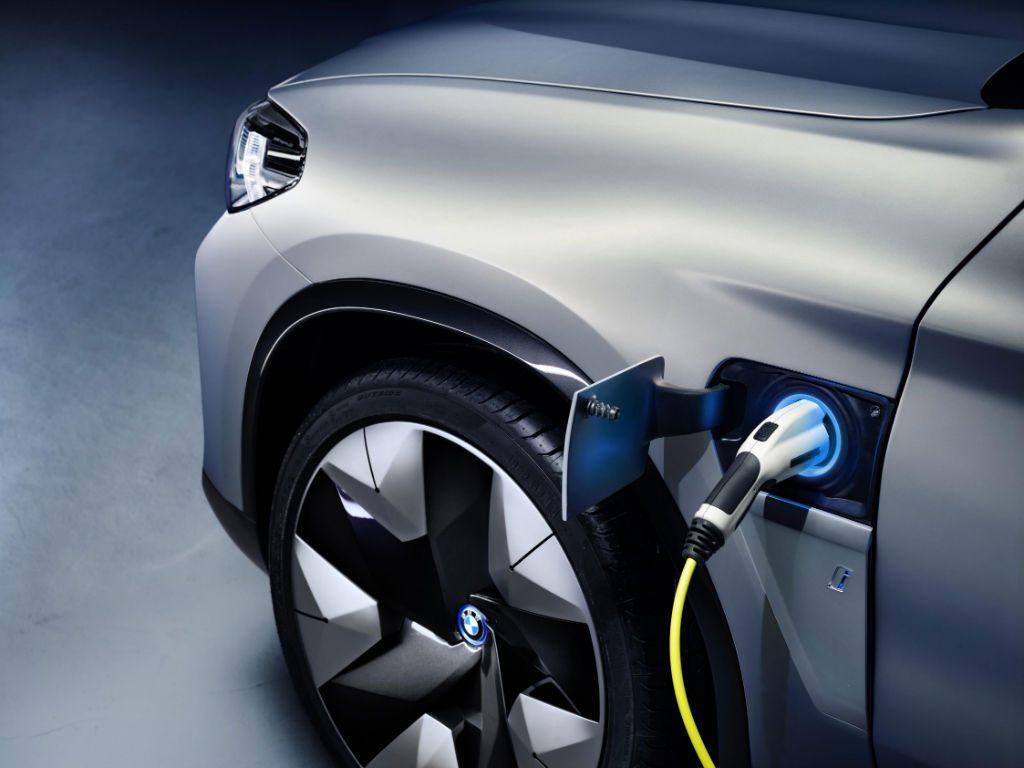 BMW iX3 Concept Car Charging 1024x768 - BMW Preview iX3 Concept Car - BMW Preview iX3 Concept Car