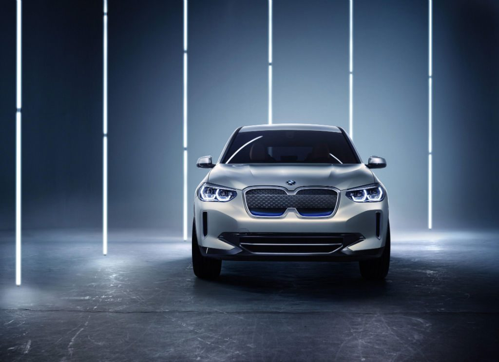 BMW iX3 Concept Car Front 1024x742 - BMW Preview iX3 Concept Car - BMW Preview iX3 Concept Car