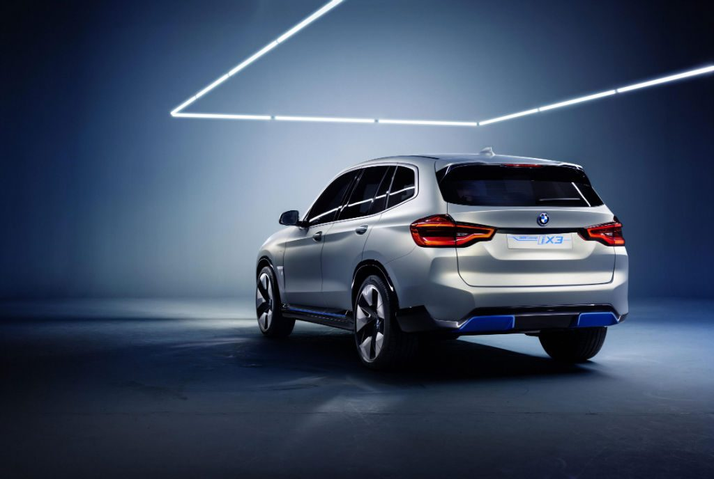 BMW iX3 Concept Car Rear 1024x688 - BMW Preview iX3 Concept Car - BMW Preview iX3 Concept Car