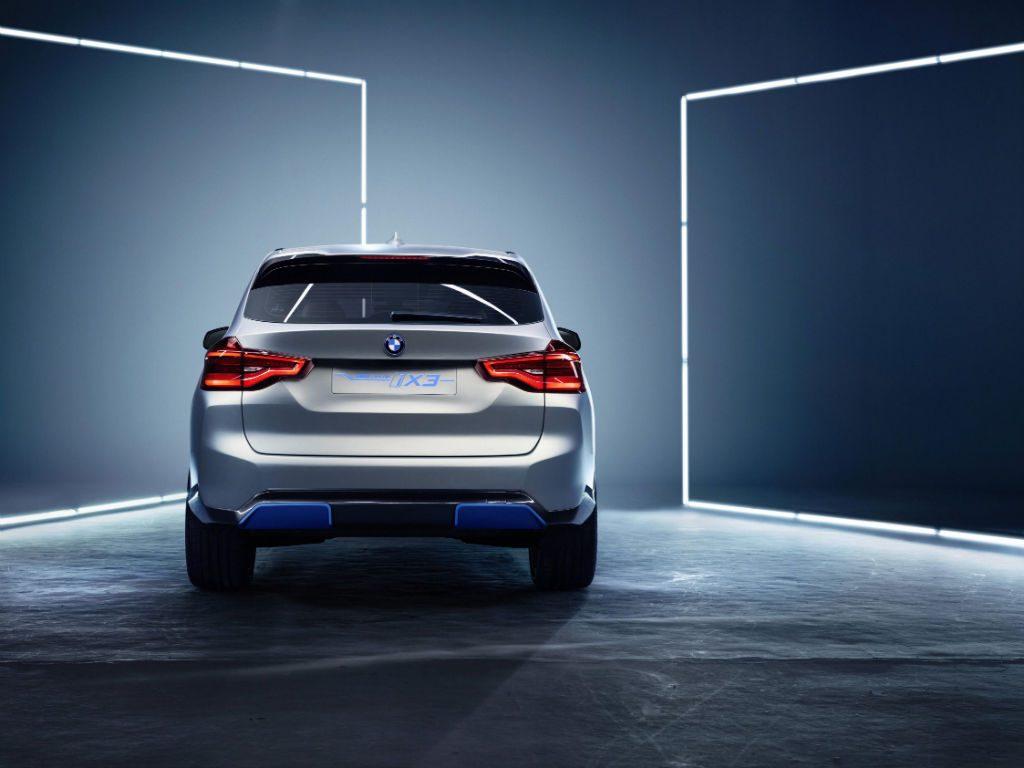 BMW iX3 Concept Car Rear 2 1024x768 - BMW Preview iX3 Concept Car - BMW Preview iX3 Concept Car