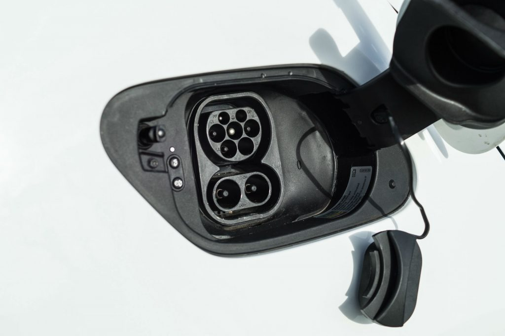 2018 VW eGolf Review Charging Port carwitter 1024x681 - 2018 VW e-Golf Review - 2018 VW e-Golf Review