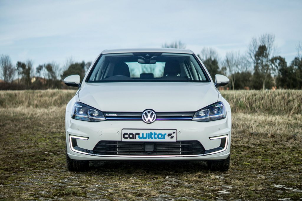 2018 VW eGolf Review Front carwitter 1024x681 - 2018 VW e-Golf Review - 2018 VW e-Golf Review