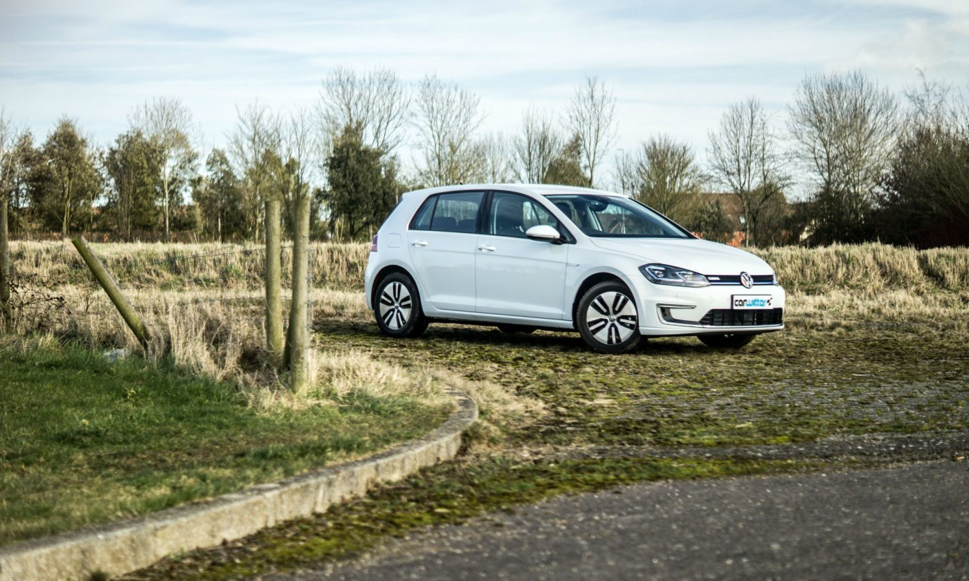 2018 VW eGolf Review Main carwitter 1400x840 - 2018 VW e-Golf Review - 2018 VW e-Golf Review