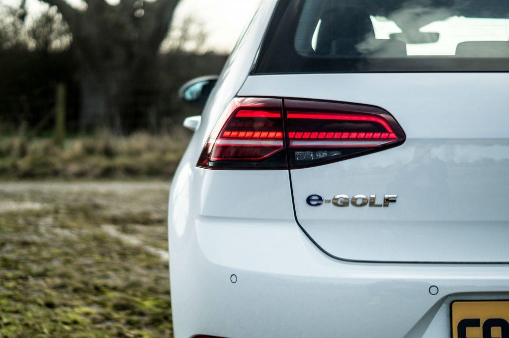 2018 VW eGolf Review Rear Badge carwitter 1024x681 - 2018 VW e-Golf Review - 2018 VW e-Golf Review