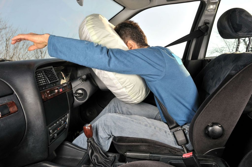 Airbag driver carwitter 1024x681 - Debunking Five Myths you've heard about Driving - Debunking Five Myths you've heard about Driving
