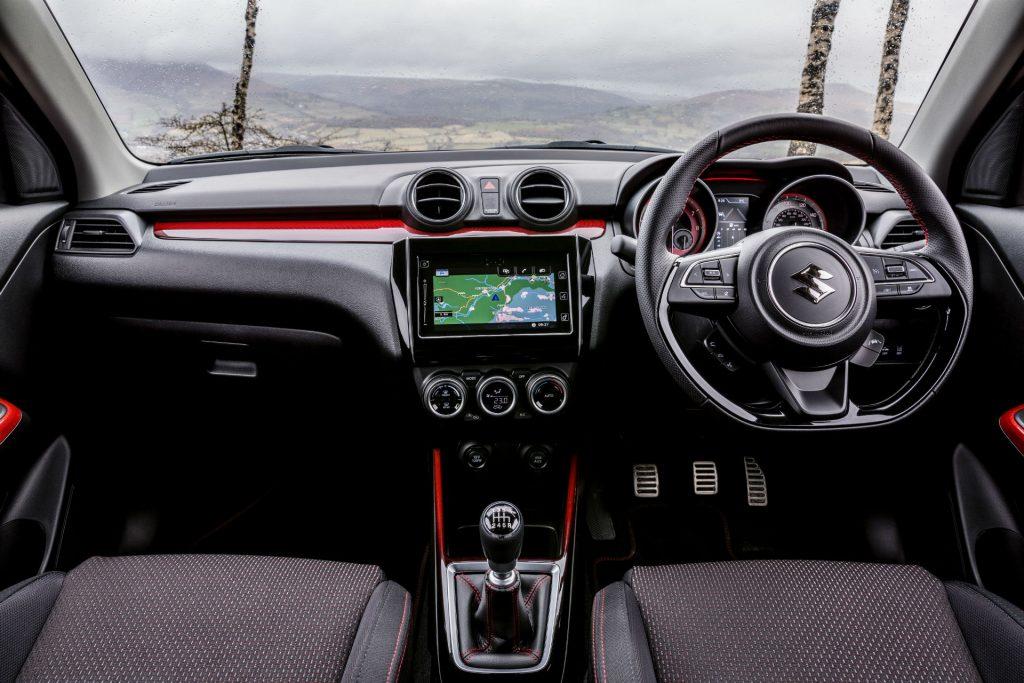 2018 Suzuki Swift Sport Review Dashboard carwitter 1024x683 - 2018 Suzuki Swift Sport Review - 2018 Suzuki Swift Sport Review