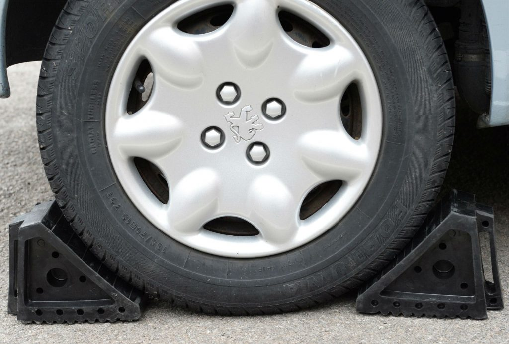 Peugeot Wheel Chocks carwitter 1024x691 - Things to Look Out For When Buying Wheel Chocks - Things to Look Out For When Buying Wheel Chocks