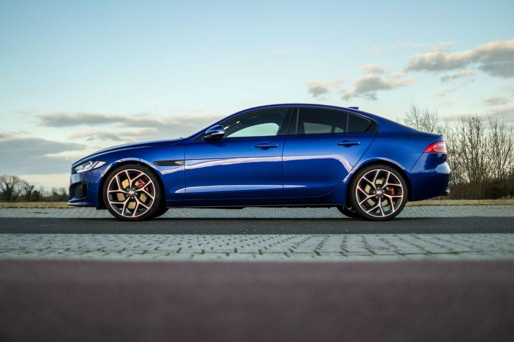 2018 Jaguar XE S Review Side carwitter 1024x681 - 2018 Jaguar XE S Review - 2018 Jaguar XE S Review