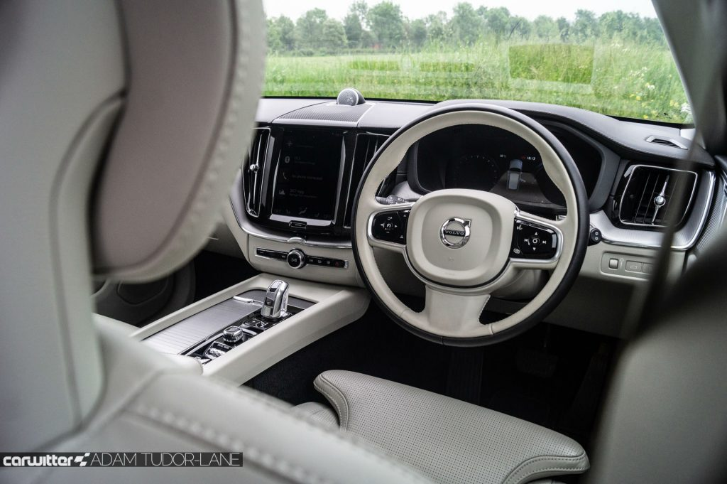 2018 Volvo XC60 T8 Twin Engine Review Steering Wheel carwitter 1024x681 - Debunking Five Myths you've heard about Driving - Debunking Five Myths you've heard about Driving