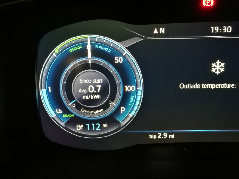 VW EGolf Drive Test Review 100 Miles 006 carwitter - Trying to drive 100 miles in an EV in 2018 - VW EGolf Drive Test Review 100 Miles - 006 - carwitter