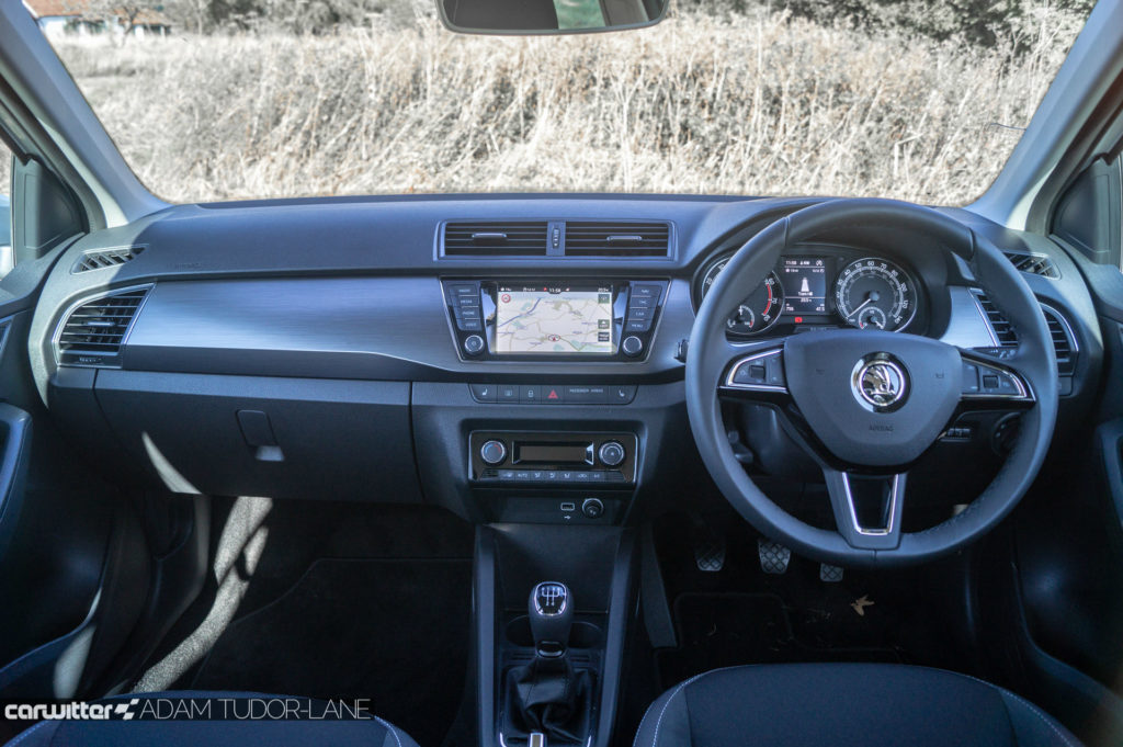 2018 Facelift Skoda Fabia Review Dashboard Interior carwitter 1024x681 - Skoda Fabia 2018 Review - Skoda Fabia 2018 Review