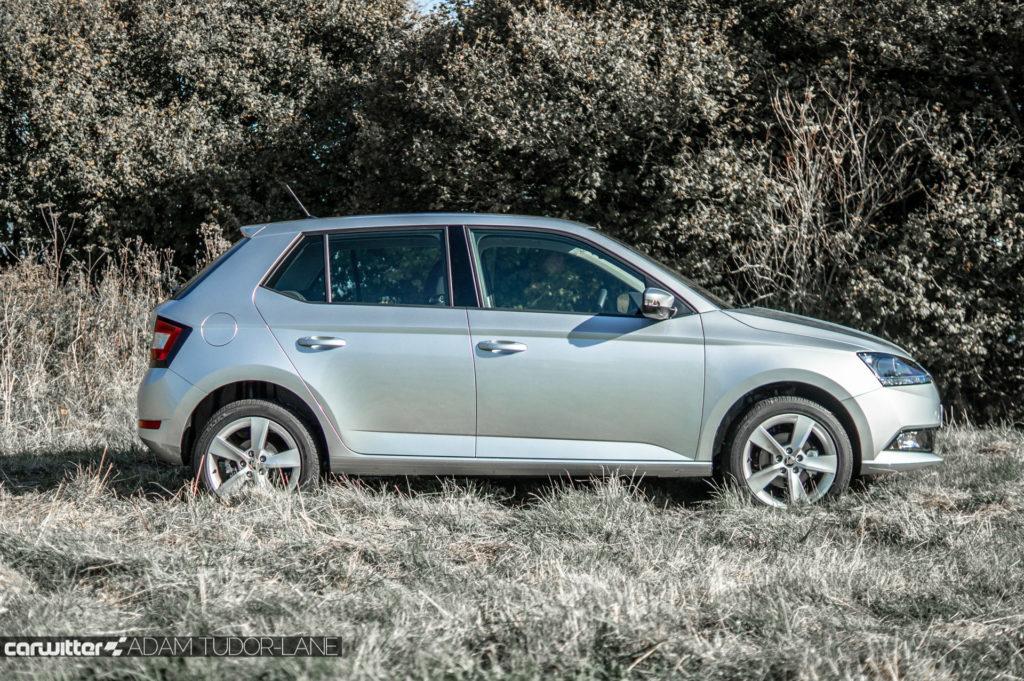 2018 Facelift Skoda Fabia Review Side carwitter 1024x681 - Skoda Fabia 2018 Review - Skoda Fabia 2018 Review
