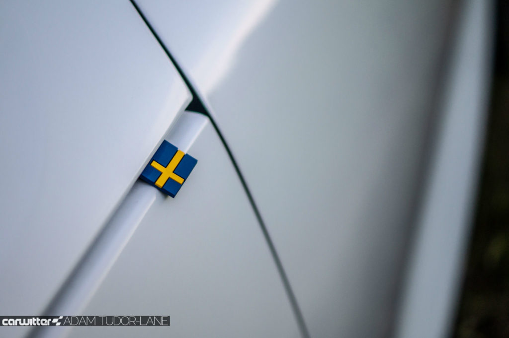 2018 Volvo XC40 First Edition Review Swedish Flag Front Wing carwitter 1024x681 - Volvo XC40 Review - Volvo XC40 Review
