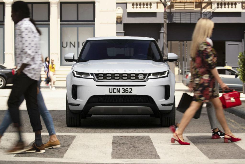 2019 New Range Rover Evoque Front Scene carwitter 1024x683 - Jaguar E-Pace vs Range Rover Evoque - Jaguar E-Pace vs Range Rover Evoque