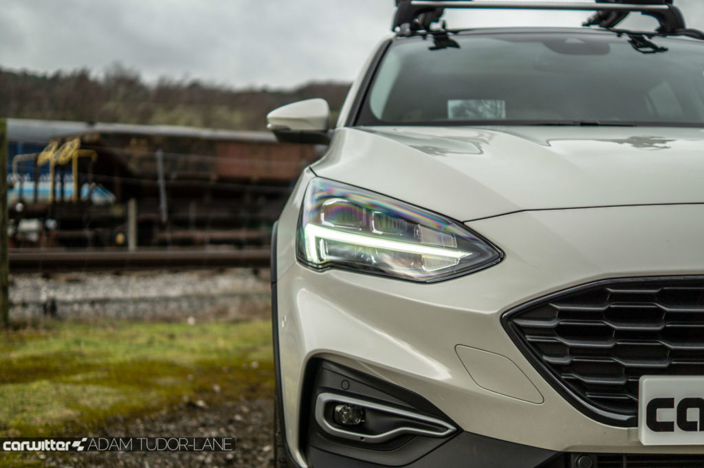 2019 Ford Focus Active Review Headlight Detail carwitter 1024x681 - Ford Focus Active Review - Ford Focus Active Review