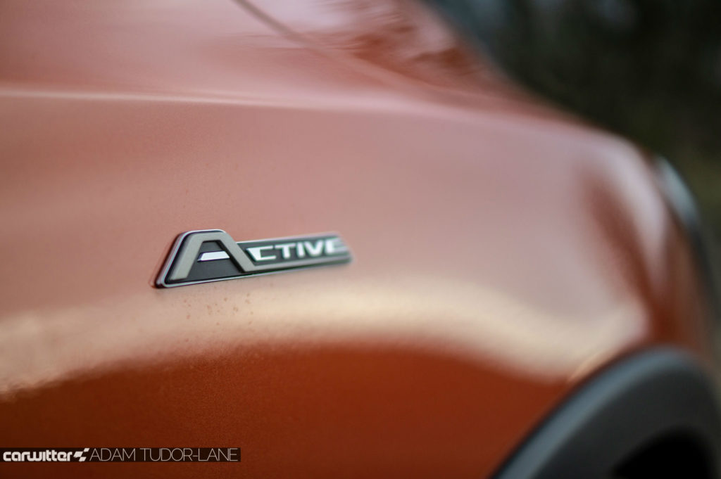 2019 Ford Focus Active Review Wing Badge carwitter 1024x681 - Ford Focus Active Review - Ford Focus Active Review